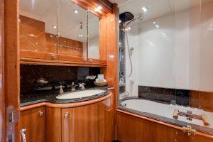 Superyacht Sunseeker 105 M/Y BABY VIP