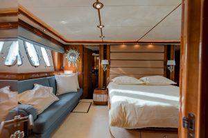 Superyacht Sunseeker 105 M/Y BABY MASTER